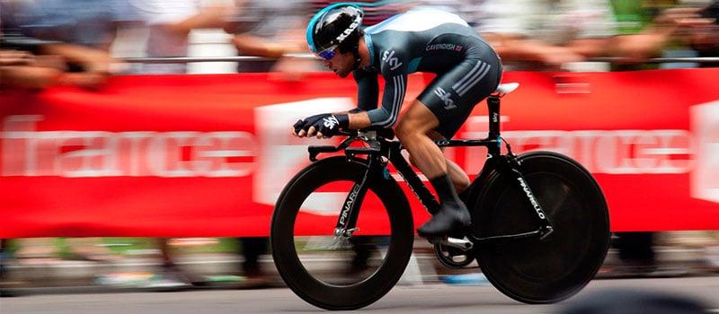 Ciclista de alta performance.